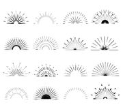 Retro- Sun-Explosionsformen Weinleselogo, Aufkleber, Ausweise Lizenzfreie Stockbilder