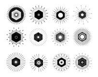 Retro- Sun-Explosionsformen Weinleselogo, Aufkleber, Ausweise Vektor-DES Stockfotografie