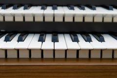 Retro tastiera dell'organo fotografia stock