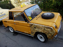 retro taxa bilen Arkivbild