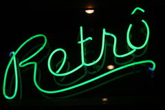 retro tecken för neon Royaltyfri Bild