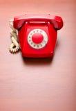 Retro telefono rosso Fotografie Stock Libere da Diritti