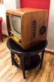 Retro televisie of TV royalty-vrije stock afbeeldingen