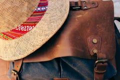 Retro torba i kapelusz dla lato podróży obrazy royalty free