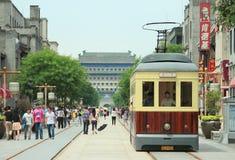 Retro tramspoor op Qianmen-straat in Peking Royalty-vrije Stock Foto's