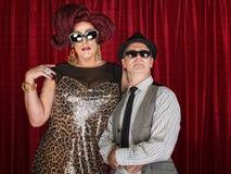 Retro transvestit för 60-tal med mannen Arkivfoton