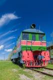 Retro treno locomotivo di vecchio stile Immagine Stock Libera da Diritti