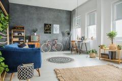Retro TV i rum Fotografering för Bildbyråer