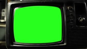Retro tv med den gröna skärmen lager videofilmer