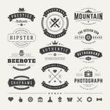 Retro Uitstekende Insignes of de vastgestelde vector van Logotypes royalty-vrije stock afbeelding