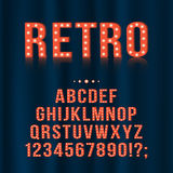 Retro, uitstekende letters van het gloeilampenalfabet en getallen voor uithangborden, film, theater, casino stock illustratie