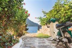 Retro uliczna hulajnoga na grka Kalymnos wyspie Zdjęcia Stock
