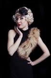 retro utformad kvinna för boa Royaltyfria Bilder