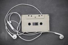 Retro-utformat ljudkassettband royaltyfria bilder