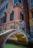 Retro- Venedig-Kanal-Brücke Stockbild