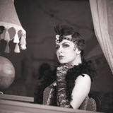 Retro Vrouwenjaren '20 - jaren '30 die in de Koffie zitten Royalty-vrije Stock Afbeelding