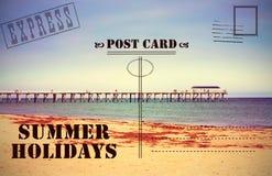 Retro vykort för semester för tappningsommarferier arkivfoto