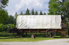 Retro zakrywający furgon Obraz Stock