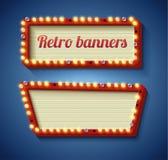 Retro- Zeichen mit glühenden Lampen Stockbilder