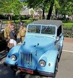 Retrocar 1950-70s do caminhão leve soviético UAZ-69 (GAZ-69) com parte superior Fotografia de Stock Royalty Free