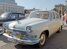Retrocar soviético do branco dos anos 60 GAZ M21 Volga Imagem de Stock Royalty Free
