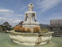 Retroceda el budda, Wat Taton, Chiangmai, Tailandia Imagen de archivo libre de regalías