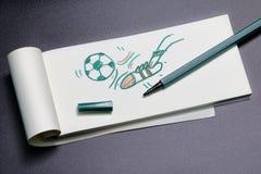 Retroceso de bosquejo del fútbol con el pie Foto de archivo