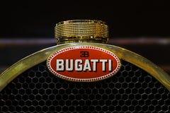 RetroMobile - Paris 2016 - logo de Bugatti Image stock