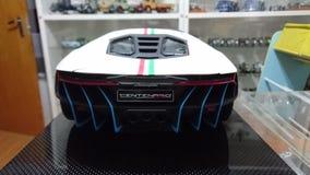 Retrovisione automobilistica del modello di scala di Lamborghini Centenario Tricolore Immagini Stock Libere da Diritti
