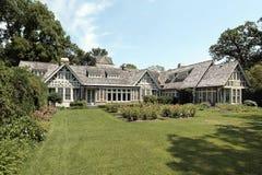 Retrovisione della casa di lusso Immagine Stock