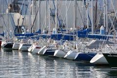 Retrovisione delle barche a vela alla porta di Shimizu Fotografia Stock