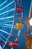 Retten Sie Ferris - das Retro- große Neonrad Lizenzfreies Stockbild