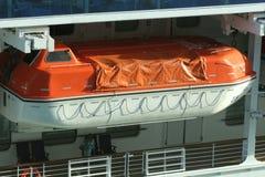 Rettungsboot in der Zahnstange Lizenzfreies Stockfoto