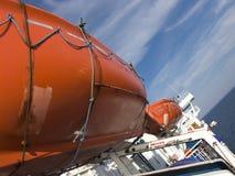 Rettungsboote auf Fähre Lizenzfreies Stockfoto