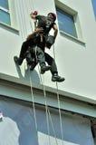 Rettungsmannschaft in der Tätigkeit stockfotos