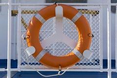 Rettungsring an Bord stockfotos