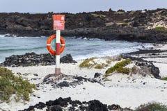 Rettungsring nahe der Küste von Lanzarote stockbilder