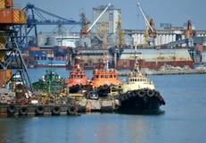 Rettungsschiffe am Pier Stockfoto