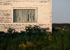 returnera det gammala fönstret Arkivbild