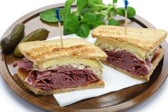 Reuben sandwich, pastrami sandwich Stock Photography
