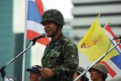 Reunião antigovernamental do grupo do exército de pessoa em Banguecoque Imagens de Stock Royalty Free