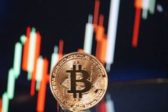 Reunião com tendência para a alta da carta de Bitcoin foto de stock