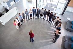 Reunião de empresa da posse do diretor, conceito do semicírculo fotos de stock