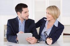 Reunião de negócios: equipe bem sucedida profissional; direto de controlo Imagem de Stock Royalty Free