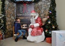 Reunião de St_ Nicholas com children_2 Fotografia de Stock Royalty Free