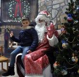 Reunião de St_ Nicholas com children_7 Foto de Stock Royalty Free