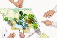 Reunião do arquiteto de paisagem com cliente Imagens de Stock Royalty Free