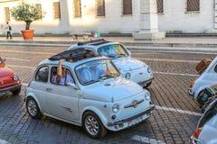Reunião do carro Fiat 500 da economia do vintage Fotos de Stock