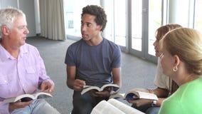 Reunião do grupo de estudo da Bíblia filme