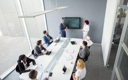 Reunião internacional na empresa fotografia de stock